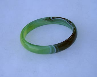 Lovely Green & White Banded Agate Bangle Bracelet