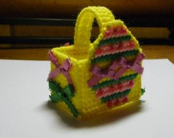 Plastic Canvas Mini Easter Basket  #118
