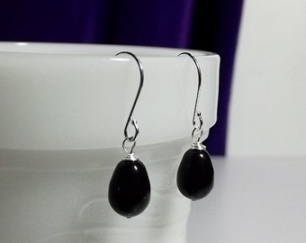 Swarovski Black Teardrop Pearl Earrings, Christmas Gift, Mom Sister Grandmother Bridesmaid Jewelry Gift, Silver Earrings, Classic and Classy