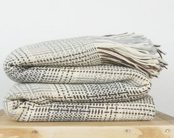 Student dorm decor throw cover in 100% merino wool geometric plaid pattern design with fringes
