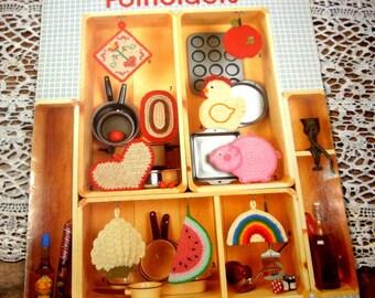 Crochet Potholder, 9 Easy Designs, Cauliflower, Apple, Watermelon, Chicken, Pig, Rainbow, Rug, Heart, Folk Art, Leisure Arts # 281  (599-15)