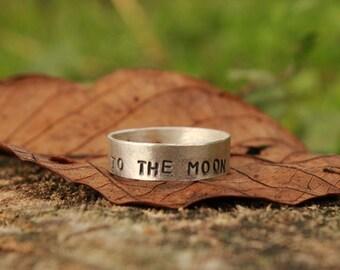 To the moon , bague en argent massif , fabriquée sur commande