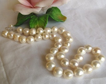 SALE Large Baroque Pearl Necklace,Traditional High Luster Cultured Pearl Choker,Wedding Bridesmaid Necklace,Pearl Strand,June Birthstone,235