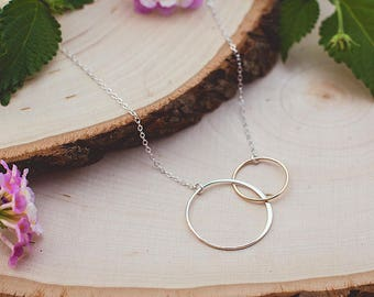 Gold and Silver Linked Circle Necklace, Mixed Metal Necklace, Gold and Silver Necklace, Mom Jewelry, Mom Necklace