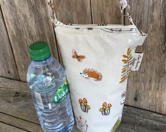 Insulated water bottle bag,oilcloth bottle carrier,insulated bottle bag,woodland oilcloth
