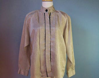 Secretary Blouse / Vtg 80s  /Beige Snakeskin Jacquard Secretary Blouse / Long sleeves / High Neck