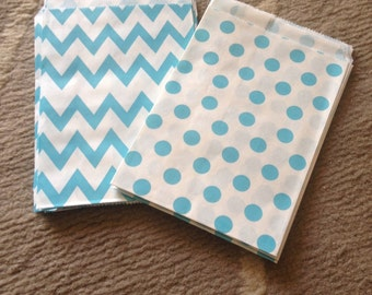 10 kraft paper bags with polka dots or blue chevron