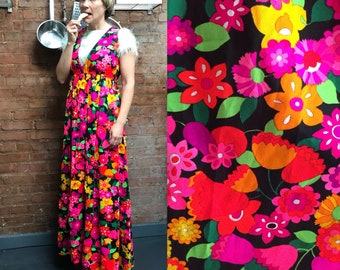 60s plunging v neck maxi dress / psychedelic floral print / full length sleeveless 1960s dress / hippy flower power