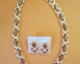 """Vintage gold toned 19"""" long white enameled  necklace and pierced earrings set no markings"""