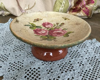Scale with English rose motif and butterflies
