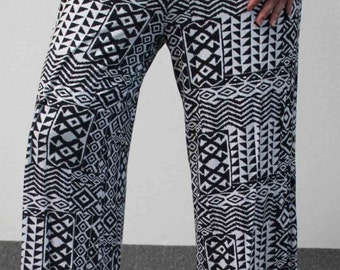 New, In Style long printed Plus Size Pants in 1XL,2XL and 3XL Sizes.