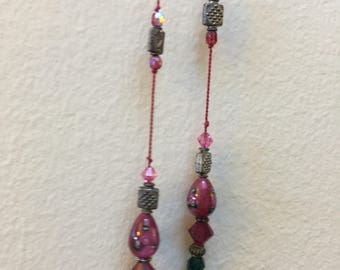Green pink lariat necklace