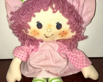 1981 American Greetings Kenner Strawberry Shortcake friend Raspberry Tart rag doll