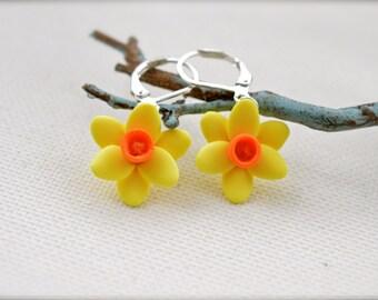 Daffodil  Flower Earrings, Yellow Flower Earrings,  Yellow Daffodil Earrings, Spring Earrings, bridesmaid earrings