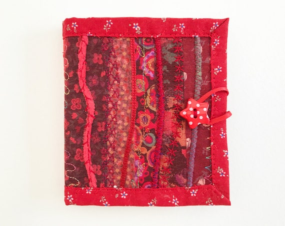 Valentine Red Needle Book • Crafty gift for a creative someone who likes to sew • Red needlebook for embroidery stitching, sewing & textiles