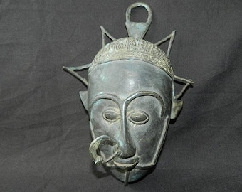 Mask made of solid Bronze, Queen of Egypt, old vintage crowned head face mask, nose ring, 27 cm (10.61 inch) tall