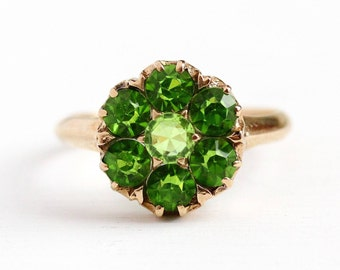 Sale - Vintage Cluster Ring - 10k Rosy Yellow Gold Simulated Peridot - Size 7 1/2 Green Glass Stone Flower August Birthstone Fine Jewelry