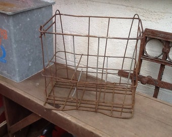 Wire Milk Bottle Carrier Antique Dairy Farm Collectible