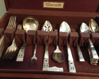 Vintage Coronation Siverplate Service for 8 + 10 Serving Pieces + Wooden Storage Case