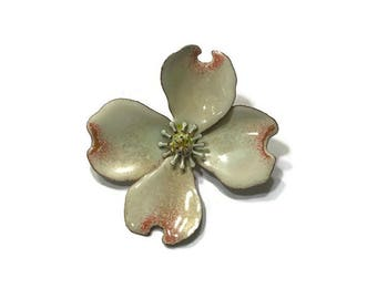 Vintage 1960s Dogwood Flower Brooch, Enamel Flower Brooch, Mod Flower Pin, Flower Power Brooch, Costume Jewelry