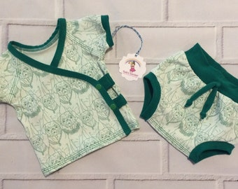 Newborn cute baby pug set - ready to ship - size newborn - pug - baby gift set - art gallery fabric - bummies bottom - kimono snap top