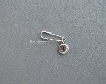 Micro charm brooch _ The Starry Night
