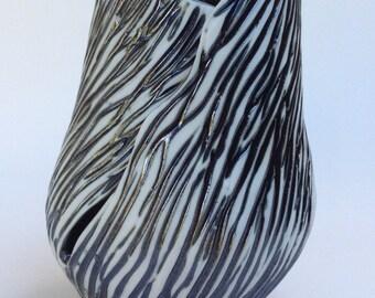 Black and White Vase - 1419