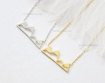 Mountain Necklace in silver, Dainty Mountain top Necklace, Snowy Mountain Top Necklace, Mountain Charm, gift ideas, wedding gifts
