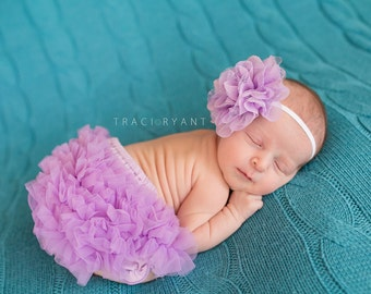 Lovely Lavender Ruffle Baby Bloomers - Baby Girls - Birthday - Party - Easter - Cake Smash - Diaper Cover - Newborn