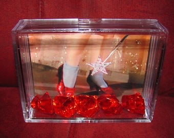 """The Wizard Of Oz's *Ruby Red Slippers Display* Red Ruby's can and will scratch the acrylic case """"Be Careful"""""""