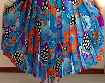 Vintage 80s Blue Floral, Leaves And Polka Dots Print Long Pleated Skirt. Size 46.