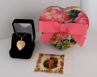 9ct Gold Vintage Locket Floral Puffy Rose Gold Heart Locket Necklace, Pendant, Mother's Day Gift, Graduation Gift