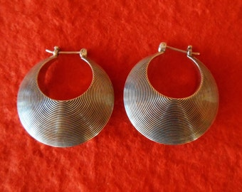 Balinese Sterling Silver Hoop Earrings / silver 925 / 1.25 inch long / Bali Handmade creolen jewelry