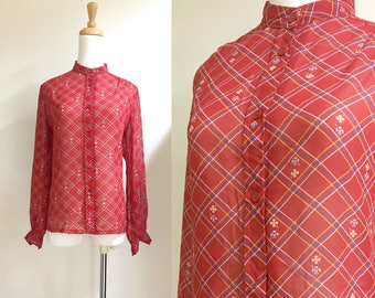 Plaid red blouse long sleeves s/m