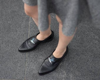 Black Leather Shoes, Women Flat Shoes, Black Slip On Shoes, Embroidered Flat Shoe, Custom Made Shoes, Comfortable Flat Leather Shoes