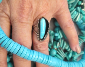 RARE>>Gorgeous Navajo Old Pawn BLUE GEM Turquoise & Sterling Ring > Lovely Prayer Feather design>Vibrant Blue Coloring that Pops! -JNR066