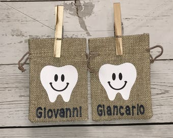 Personalized tooth pouch, burlap tooth pouch, tooth pouch, Personalized Tooth Fairy Pouch, gifts, favor bags, party favors, drawstring bags,