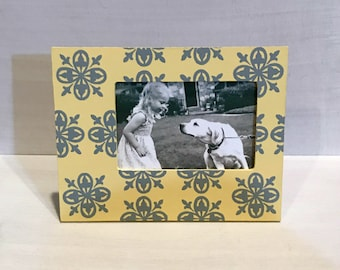 Hand Painted 4x6 Picture Frame , Gray and Yellow Medallion , Bridal party favors , Nursery Decor , Wedding Decor , Table Number Frames, Gift