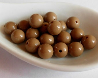 Vintage Lucite Beads- Light Chocolate Brown -1960's Japanese -7 mm