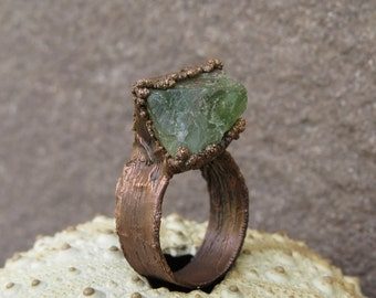 Copper electroformed ring with raw green fluorite   Copper electroformed raw fluorite ring