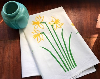 hand printed tea towel, daffodils, green and yellow, yellow kitchen towel, eco-conscious gift, hostess gift under 50, flowered towel