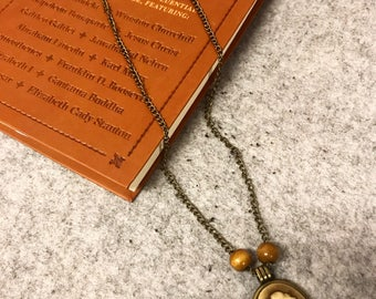 Vintage Silhouette Necklace