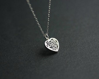 Silver filigree Heart  Round pendant necklace - Sterling Silver Heart necklace - VALENTINE GIFT - Delicate necklace - minimalist