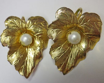 Stated Sarah Coventry Leaf Clip-On Earrings