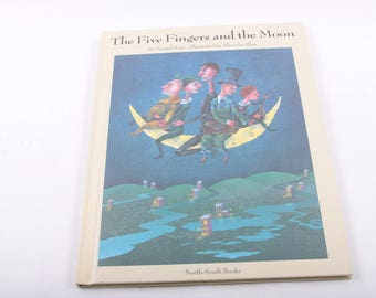 The Five Fingers and the Moon, Super Cool Illustrations, Vintage Book, Children's Book ~  The Pink Room ~ 170217