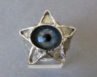 Vintage Pentacle Ring, Blue Glass eye, Mint condition, Marked Sterling, size 10 (American)All Seeing Eye or Evil Eye Ring, Psychic Eye.