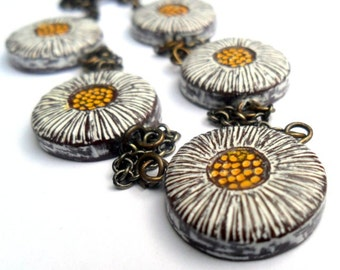 Rustic Daisies Necklace   - Flower Necklace Jewelry - White and Yellow