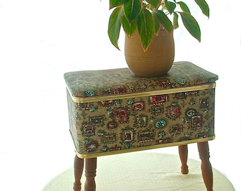 Vintage Mid-Century Burlington Basket Company Sewing Box with Legs, Storage Ottoman, Sewing Stool, 1950s, Early American Style