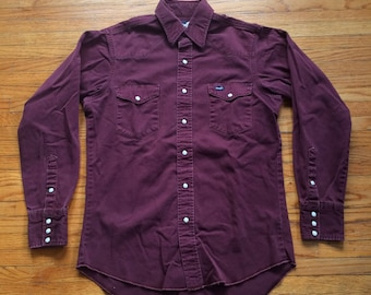 Vintage Wrangler Pearl Snap Button Up Western Style Long Sleeve Cowboy Shirt