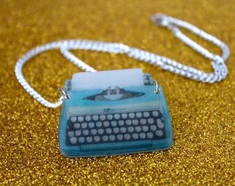 Vintage Typewriter Necklace / Typewriter Necklace / Retro / Plastic Charm Necklace / Writer / School / Teacher